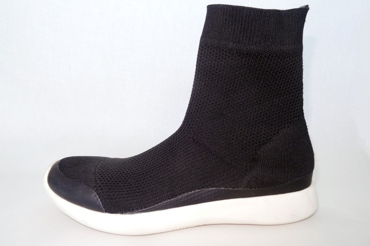 sock shoes 3